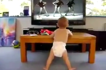 baby dance to single ladies